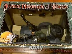 21st Century Toys The Ultimate Soldier 16 WWII German Motorcycle / Sidecar MINT