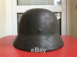 WW2 / Wehrmacht German Camo Helmet M35, signed Original