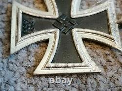 WWII German Third Reich iron cross 1939 medal original mint condition