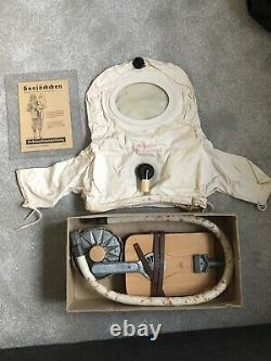 Ww2 German Gas Mask In Mint Condition. This Comes with Its Original